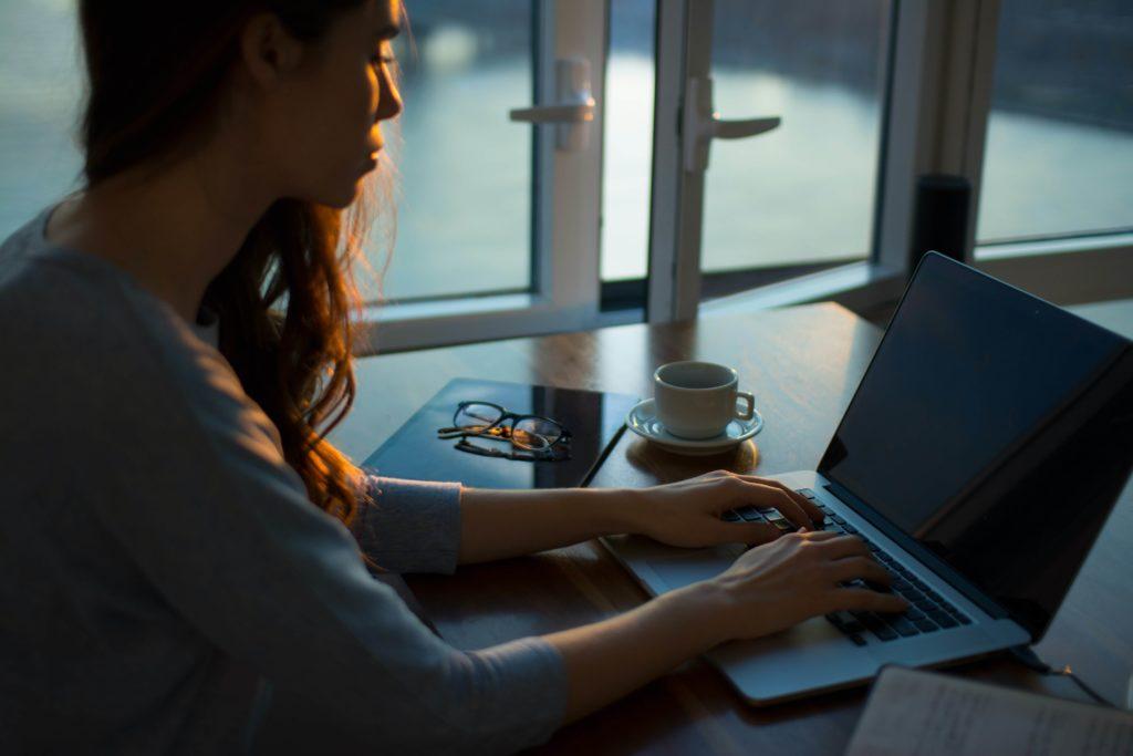 trabajar desde casa ordenador