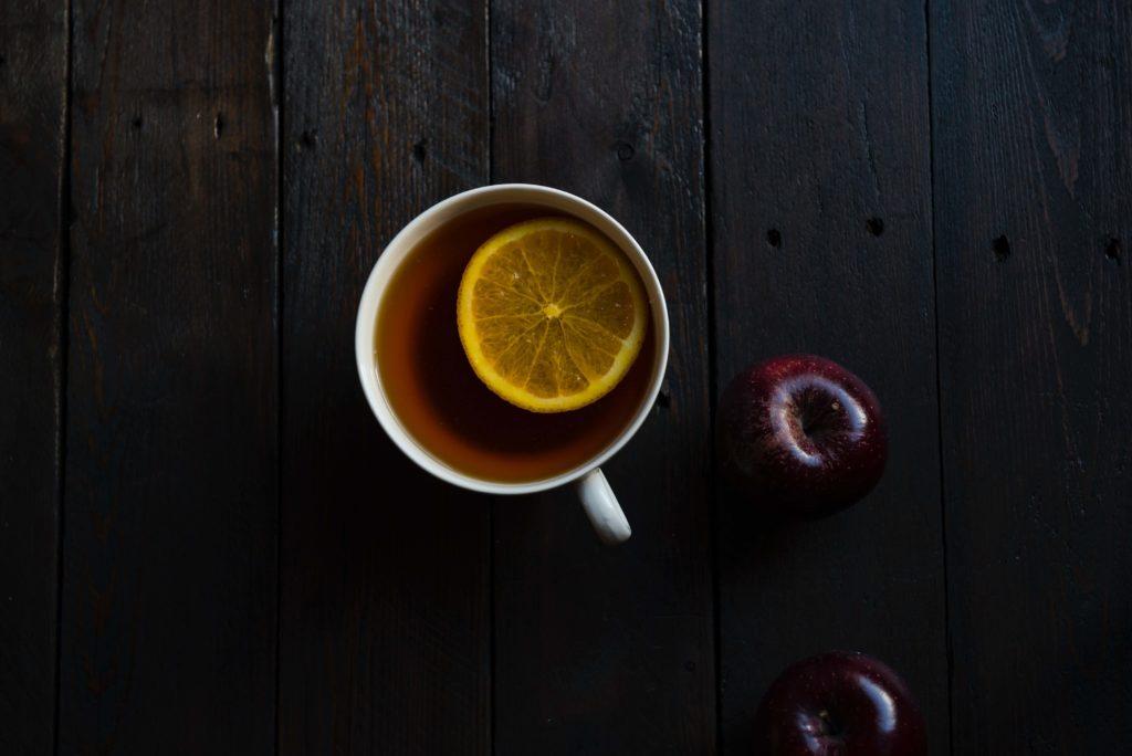 te rojo con limon